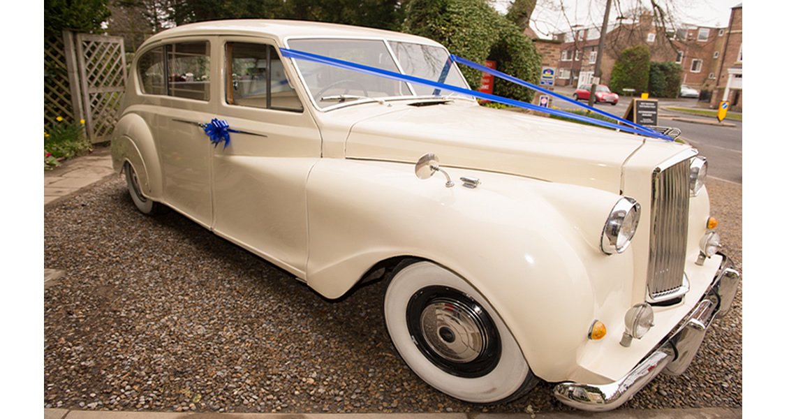Indigo Executive Travel Leeds - Vintage and Executive Wedding Cars
